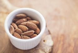 Almond milk: health benefits and how to make it at home